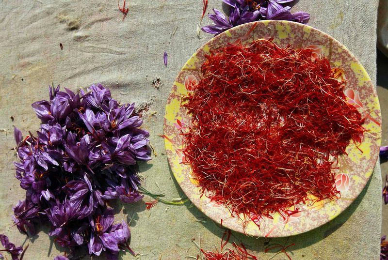 Saffron in a bowl to make Saffron Tea