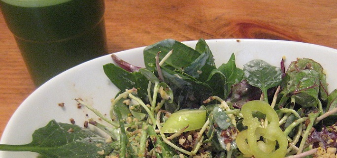 2 Day Green Cleanse Detox green juice and salad