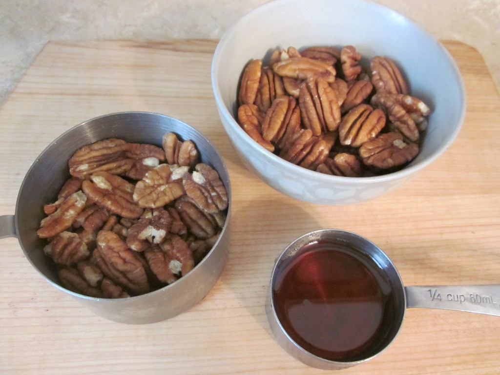 Raw Pecan Pie Recipe - topping ingredients