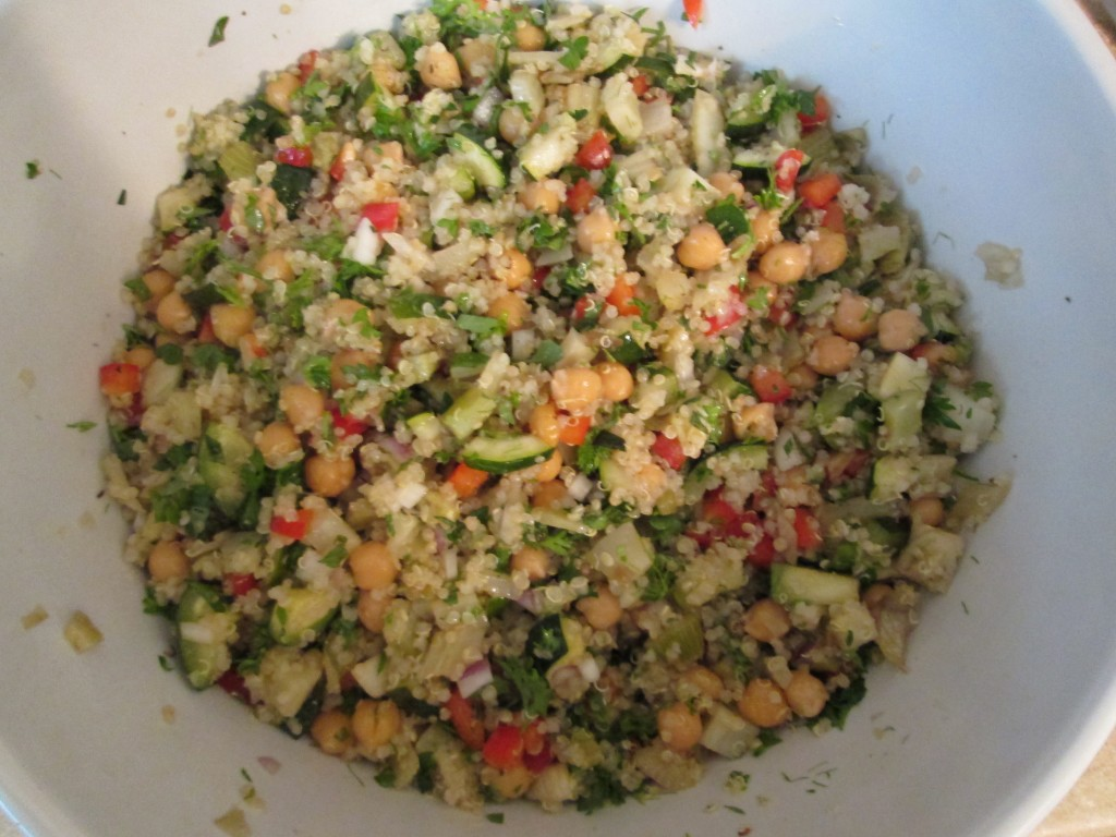 Chickpea Quinoa Salad with Roasted Vegetables - 8 mix